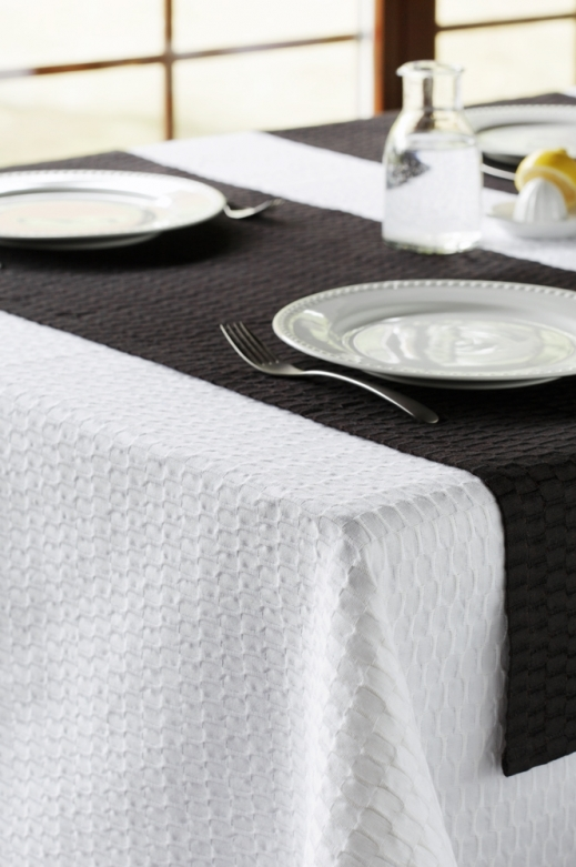 FLY white tablecloth